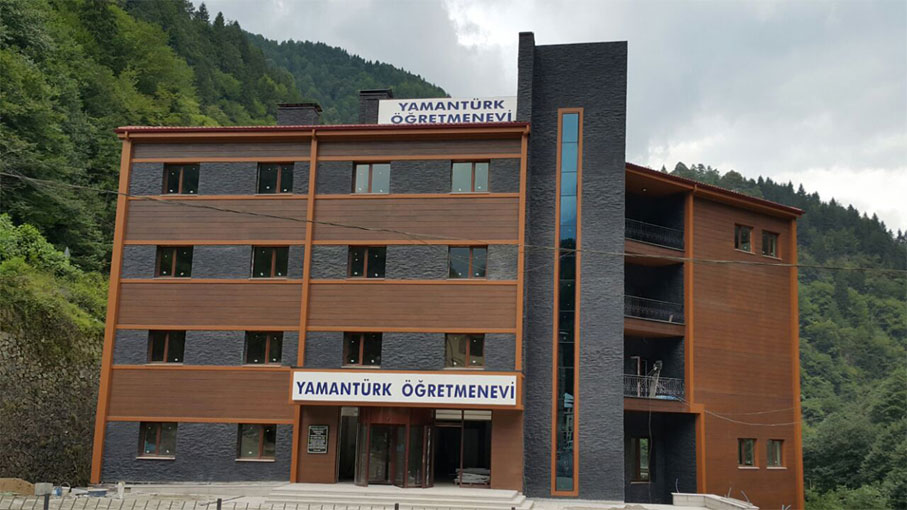 Yamanturk Teacher's Lodge / Camlihemsin - Rize
